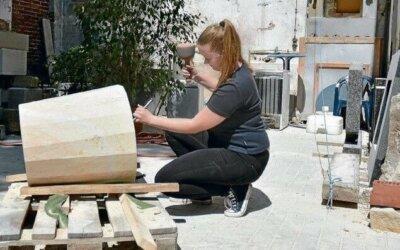 19-Jährige klopft Steine für die Ewigkeit
