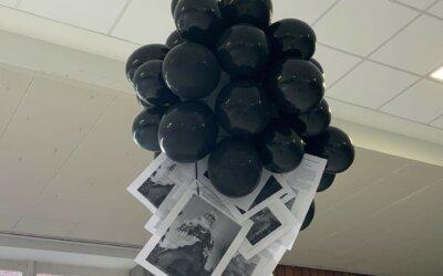 Schwarze Luftballons